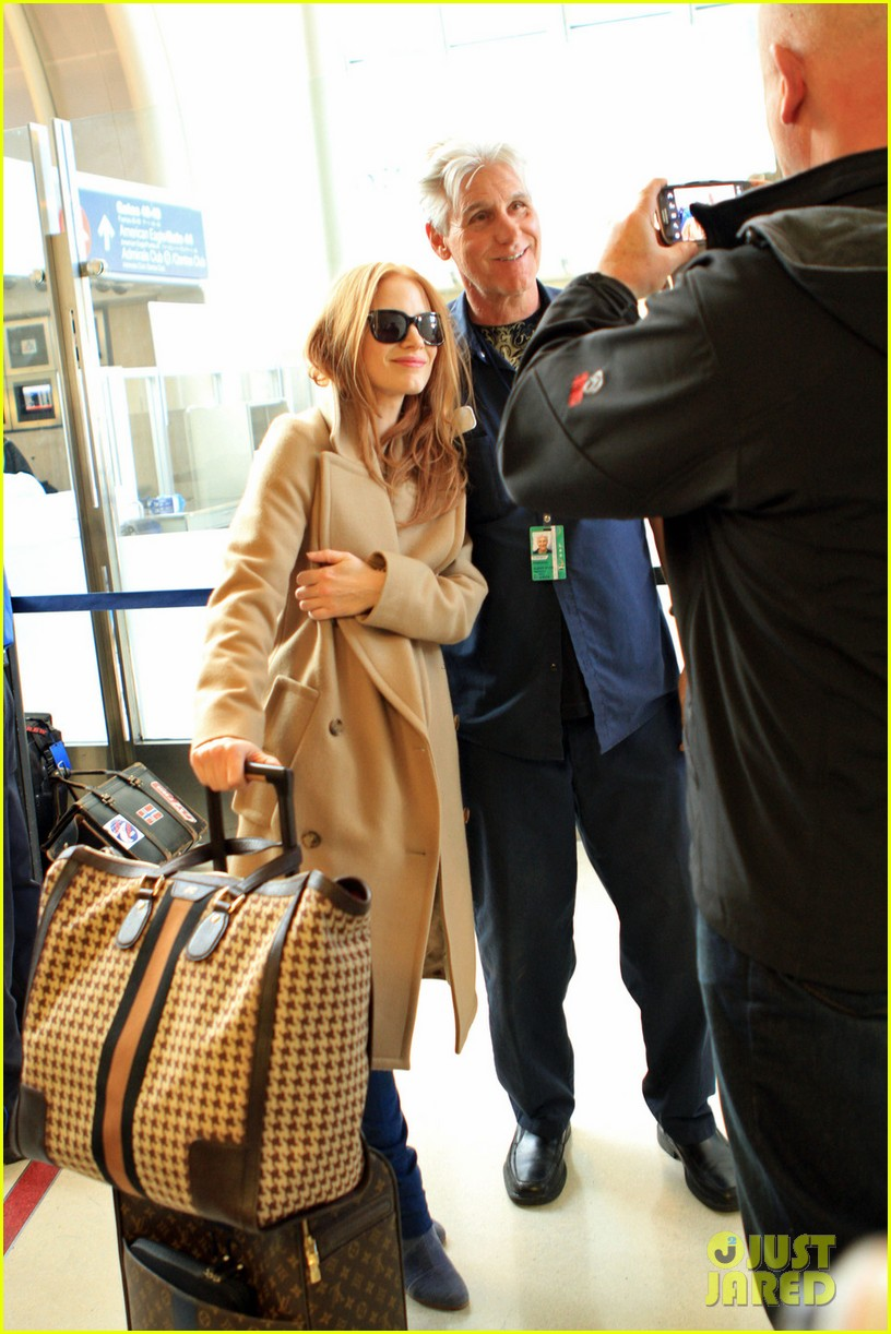 jessica chastain touches down in los angeles 012812986