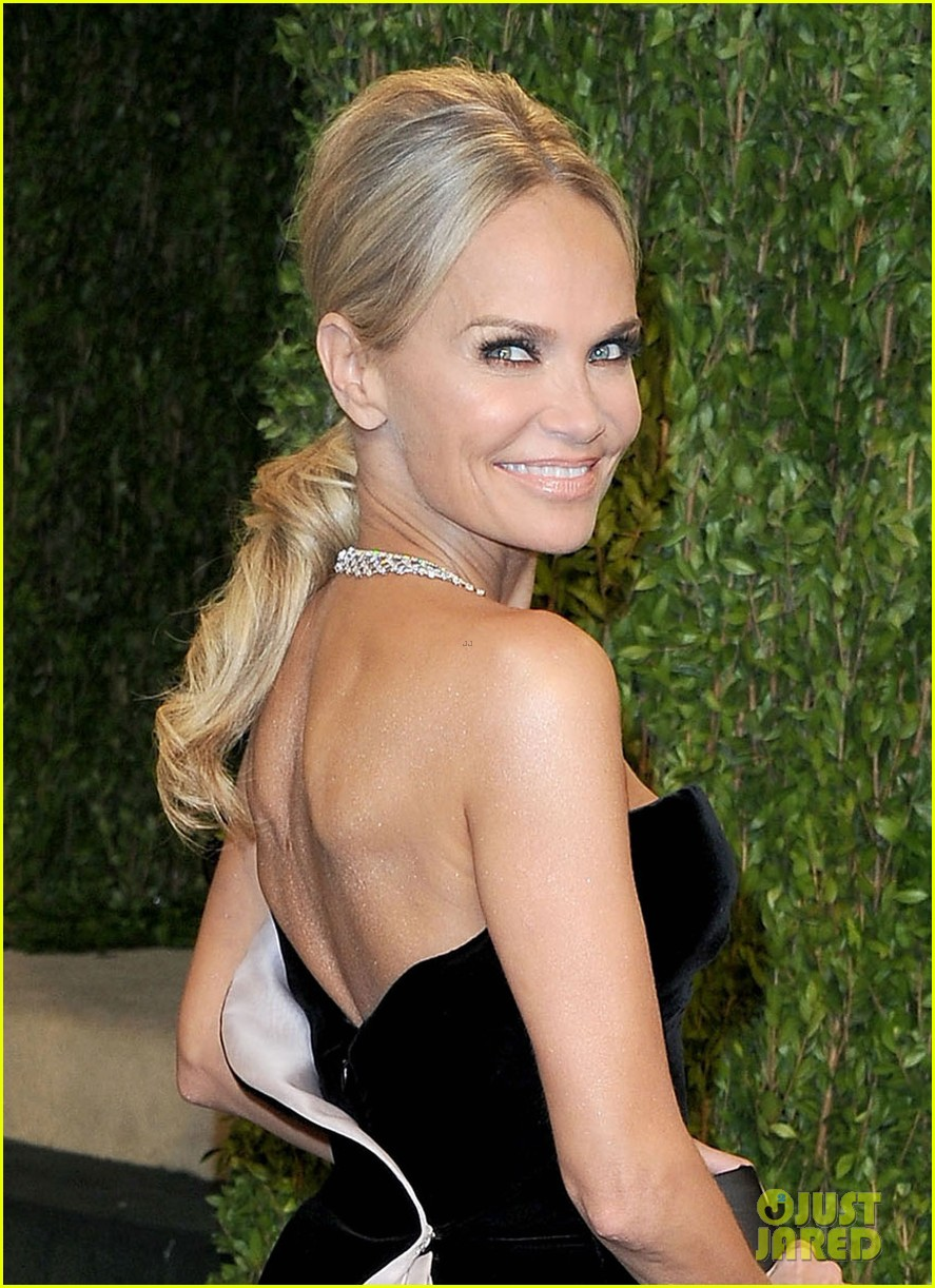 kristin chenoweth vanity fair oscars party 2013 022820193
