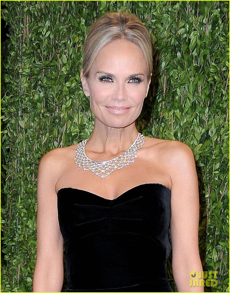kristin chenoweth vanity fair oscars party 2013 042820195