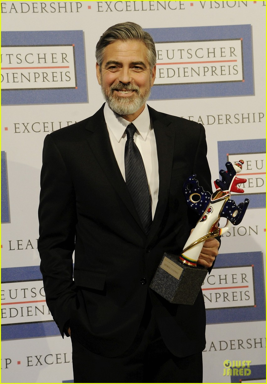 george clooney deutscher medienpreis award honoree 012821429