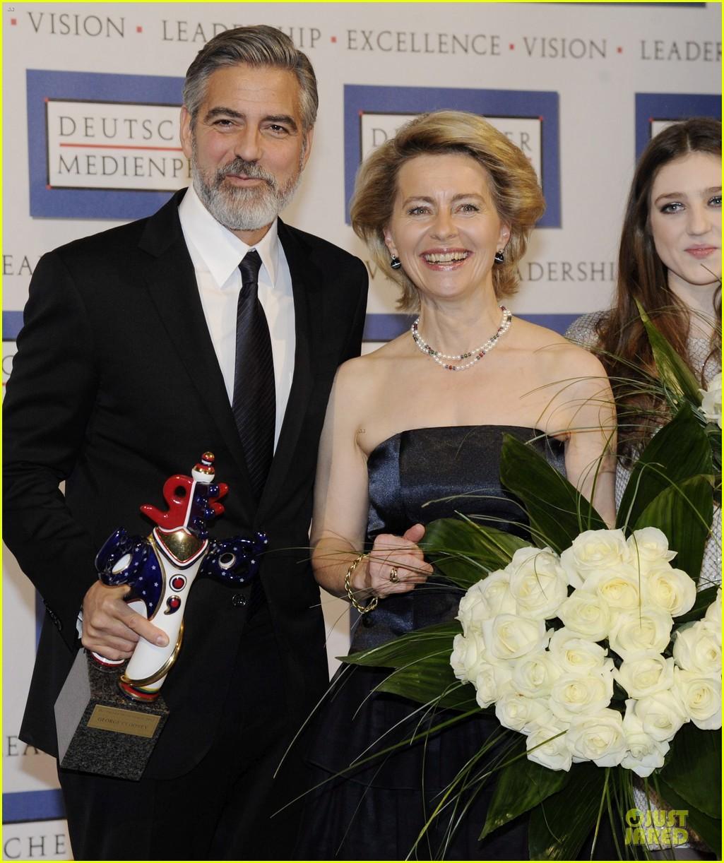 george clooney deutscher medienpreis award honoree 092821437