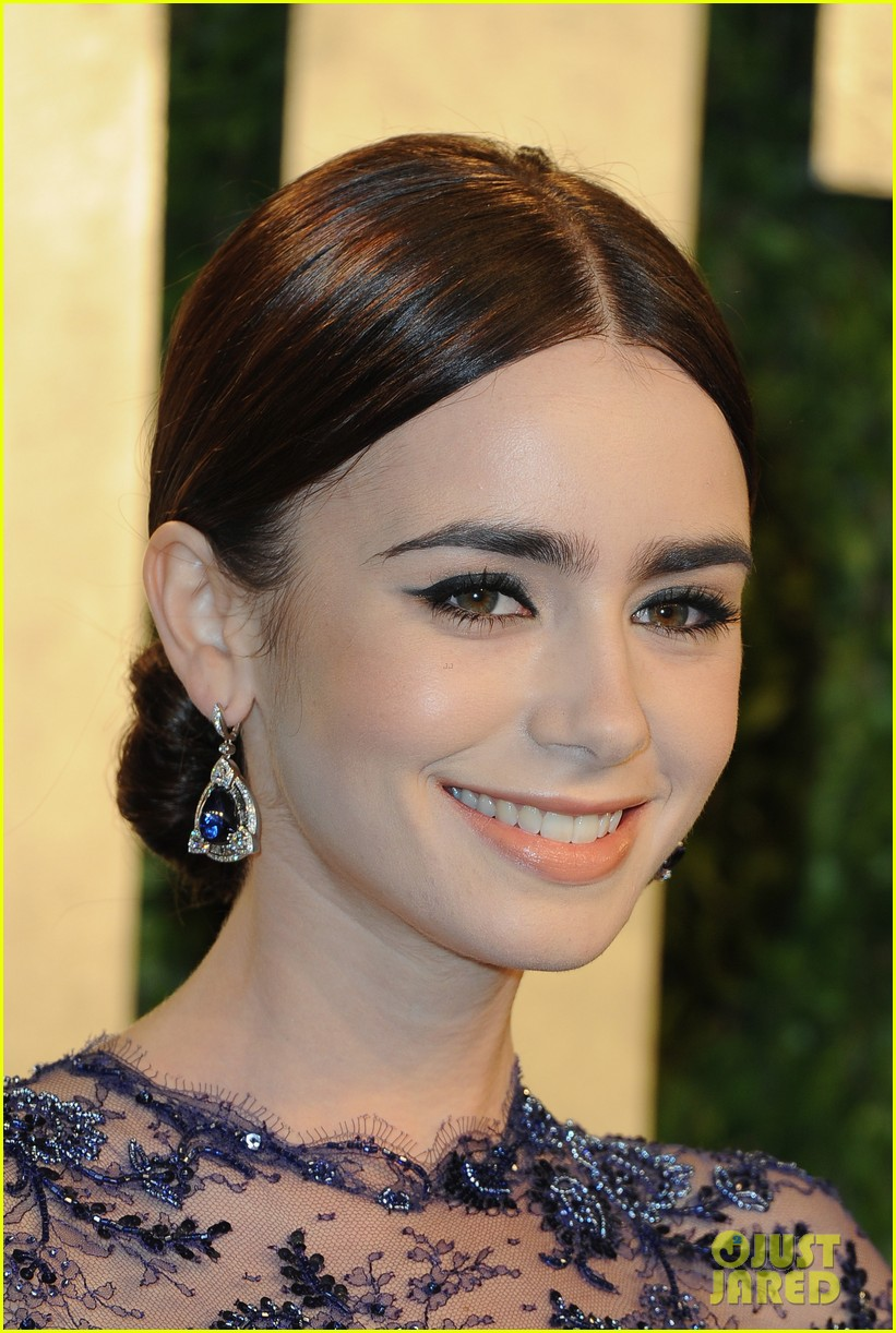 lily collins vanity fair oscars party 2013 01