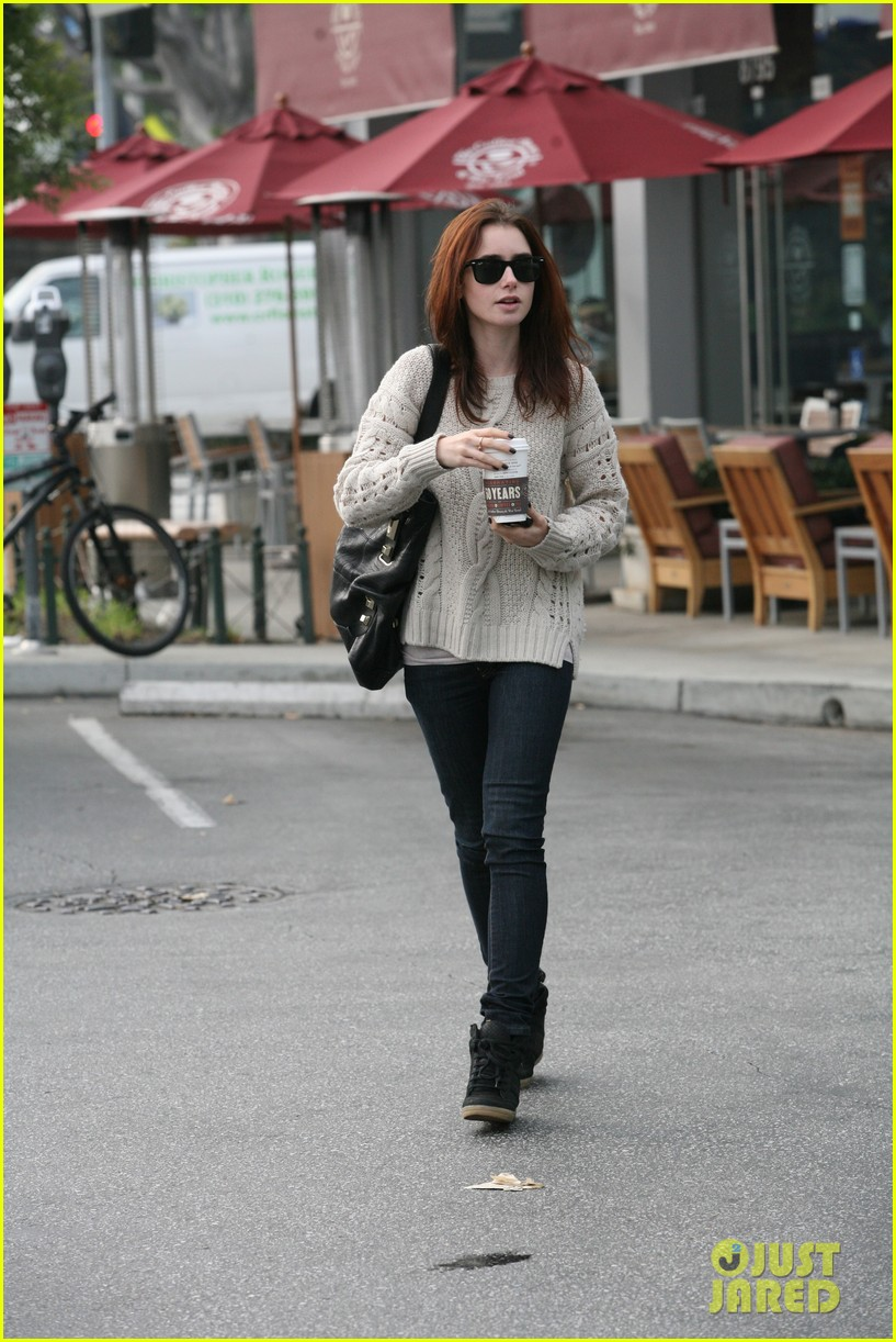 lily collins love rosie star 022805801