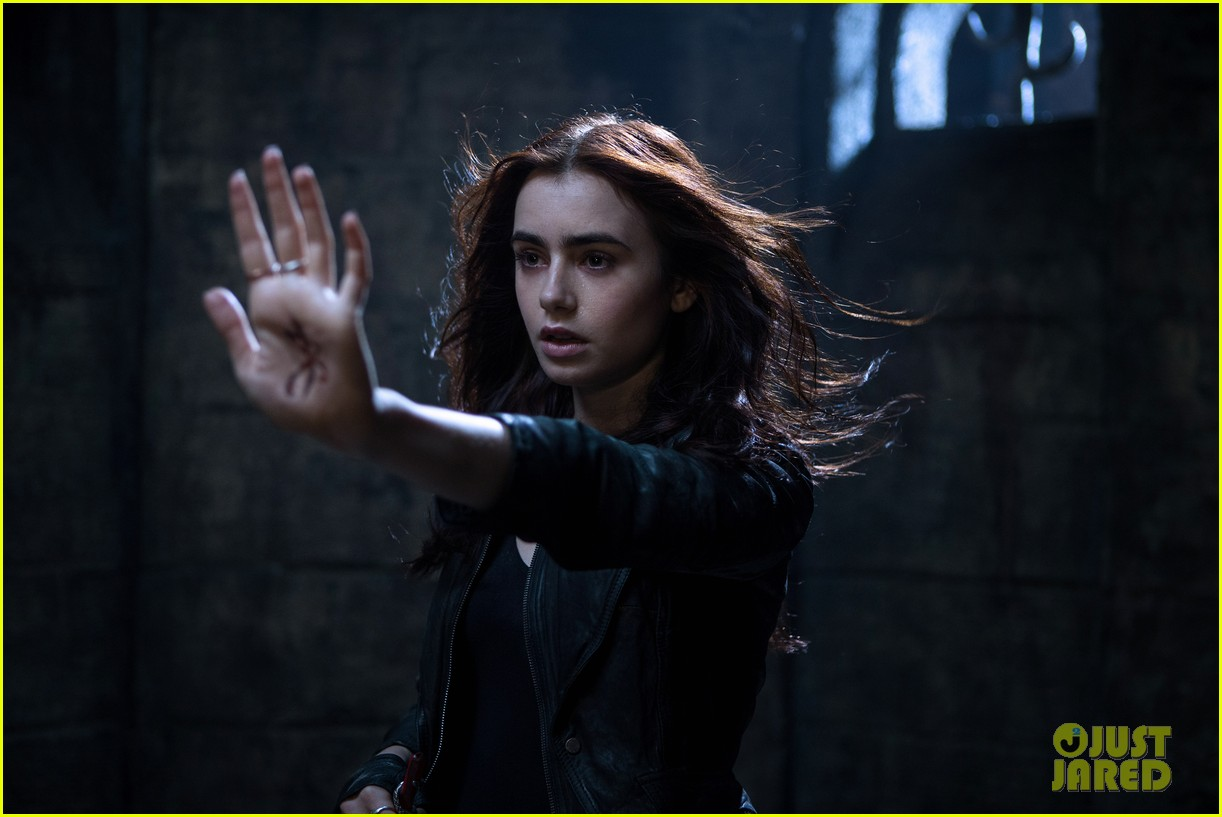 lily collins jamie campbell bower mortal instruments still exclusive 032811707