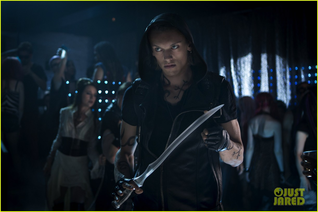 lily collins jamie campbell bower mortal instruments still exclusive 042811708