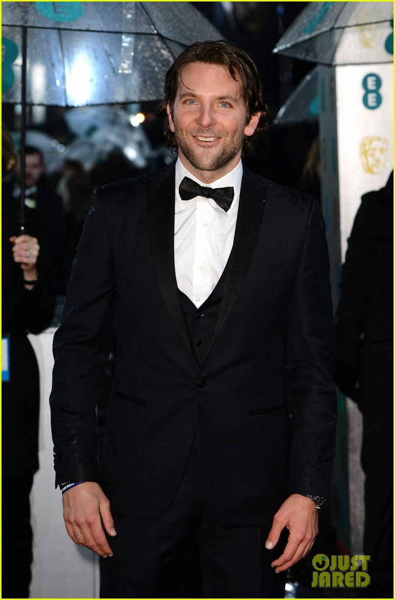 bradley cooper baftas 2013 red carpet 072808948