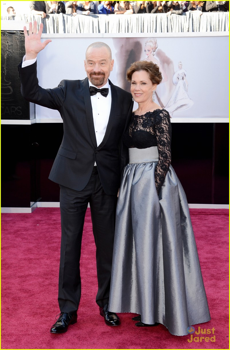 bryan cranston oscars 2013 red carpet 01