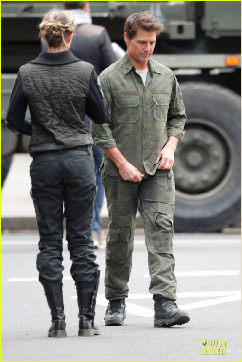 tom cruise all you need is kill set with emily blunt 142803174