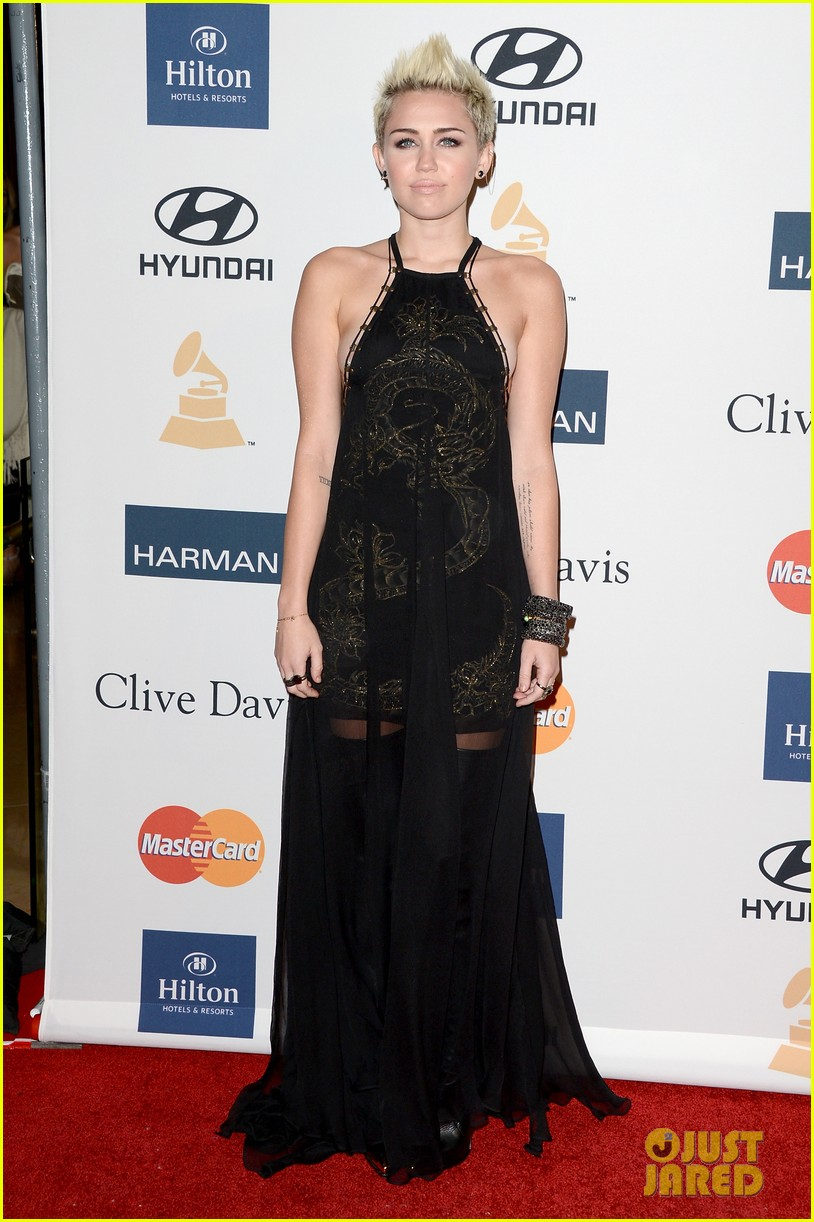 miley cyrus clive davis pre grammy gala 2013 10