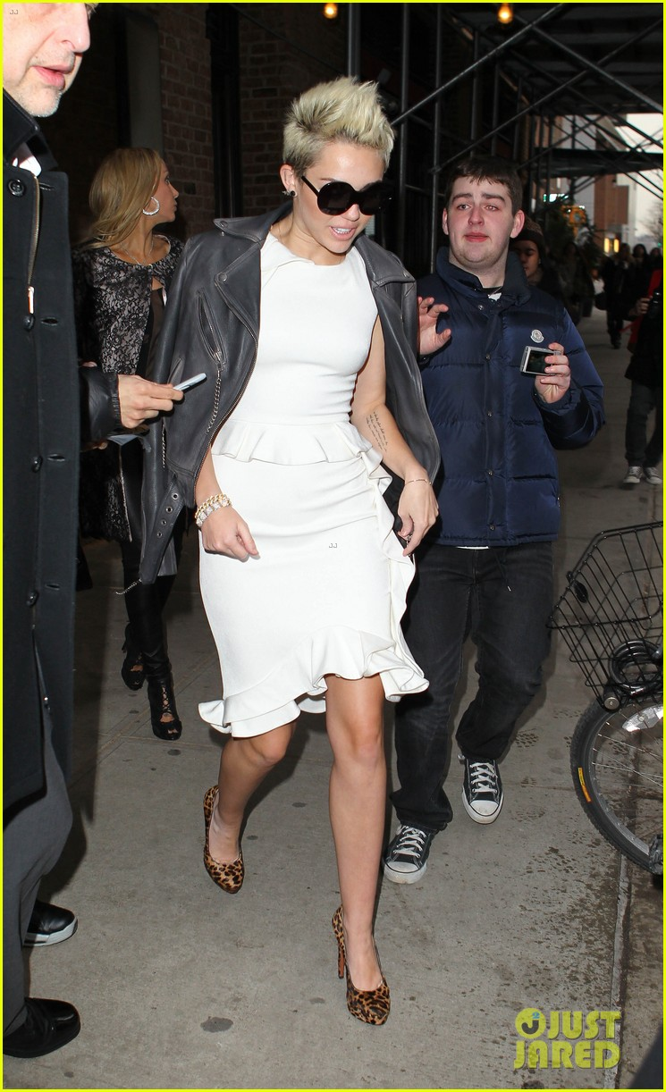 miley cyrus jada pinkett smith fashion fun in nyc 012811673