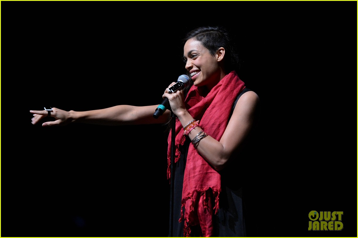rosario dawson v days one billion rising rise nyc supporter 012812709