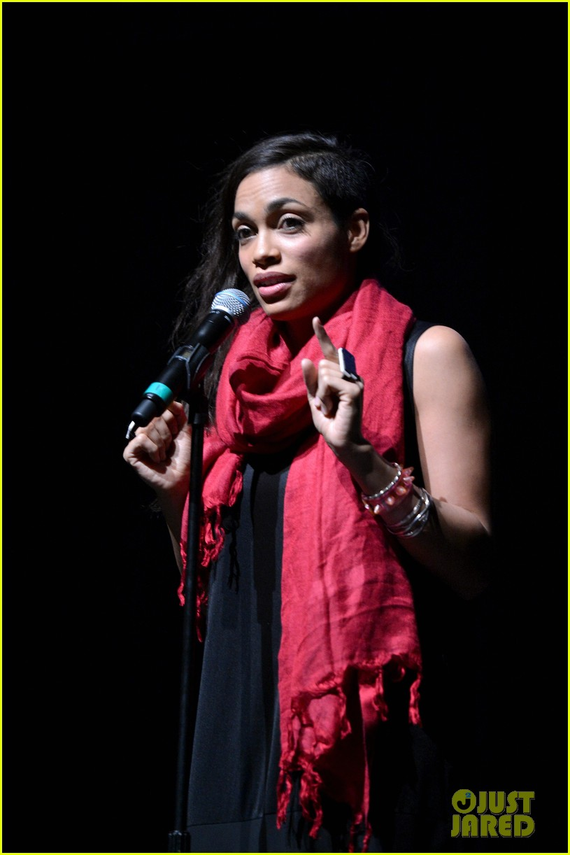 rosario dawson v days one billion rising rise nyc supporter 032812711
