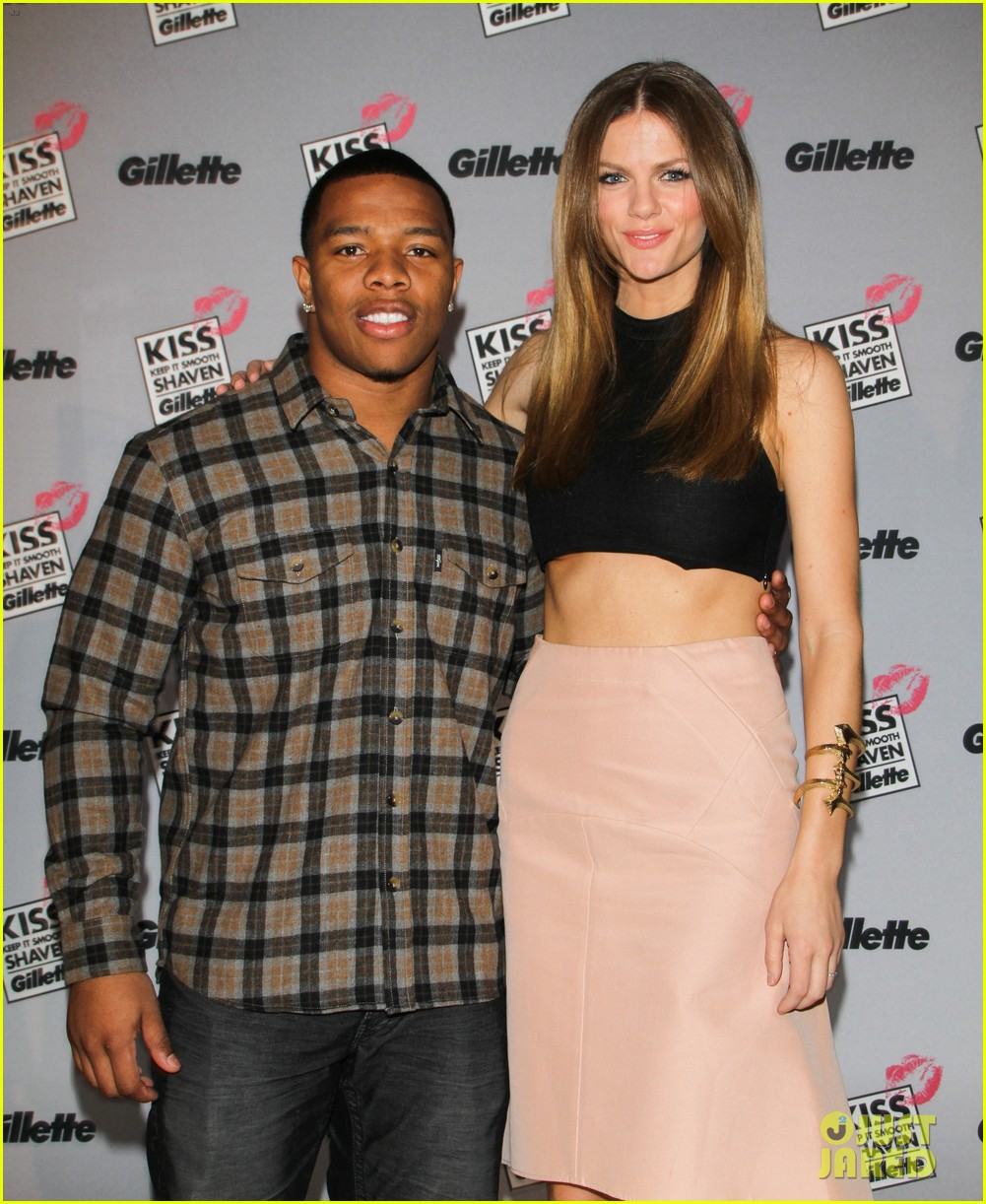 brooklyn decker shaves ray rice at kiss and tell event 022812434