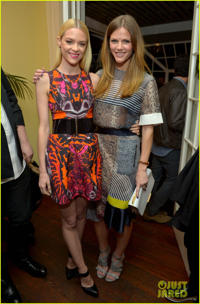 brooklyn decker jaime king vanity fair calendar party 012814979