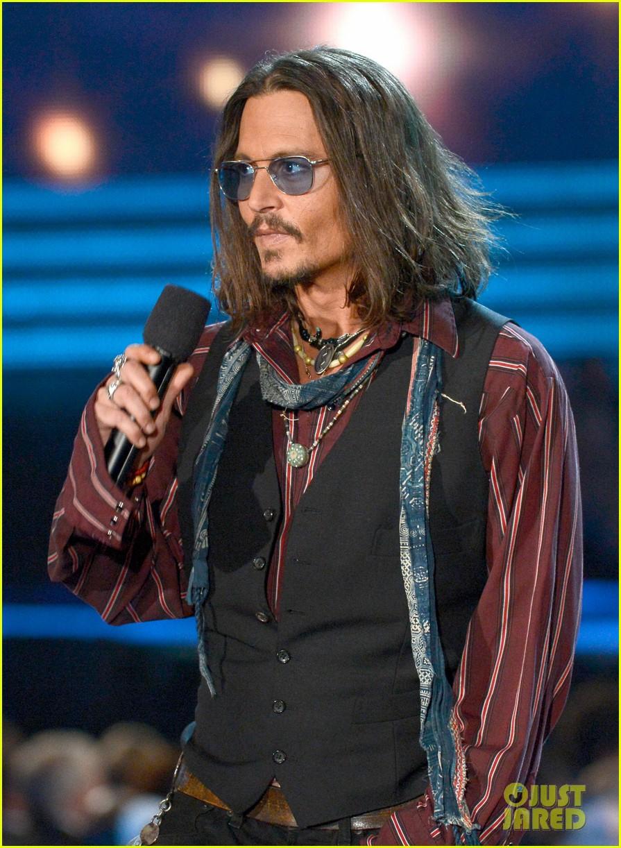 97966a59923e6 Johnny Depp - Grammys 2013 Presenter!  Photo 2809672