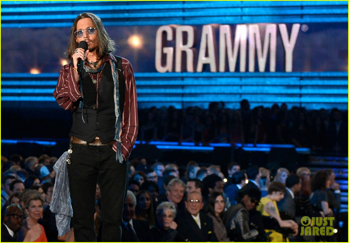 johnny depp grammys 2013 presenter 062809676