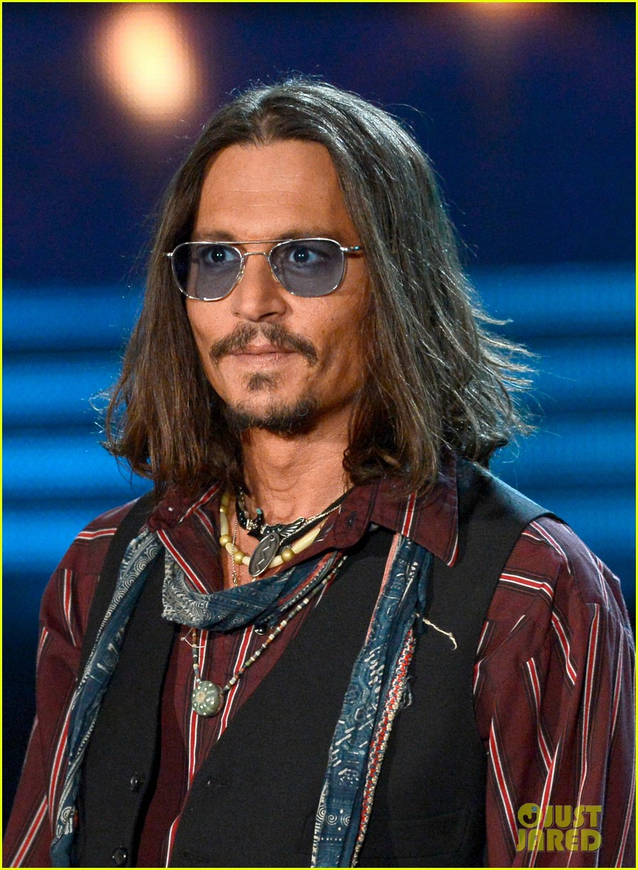 johnny depp grammys 2013 presenter 08