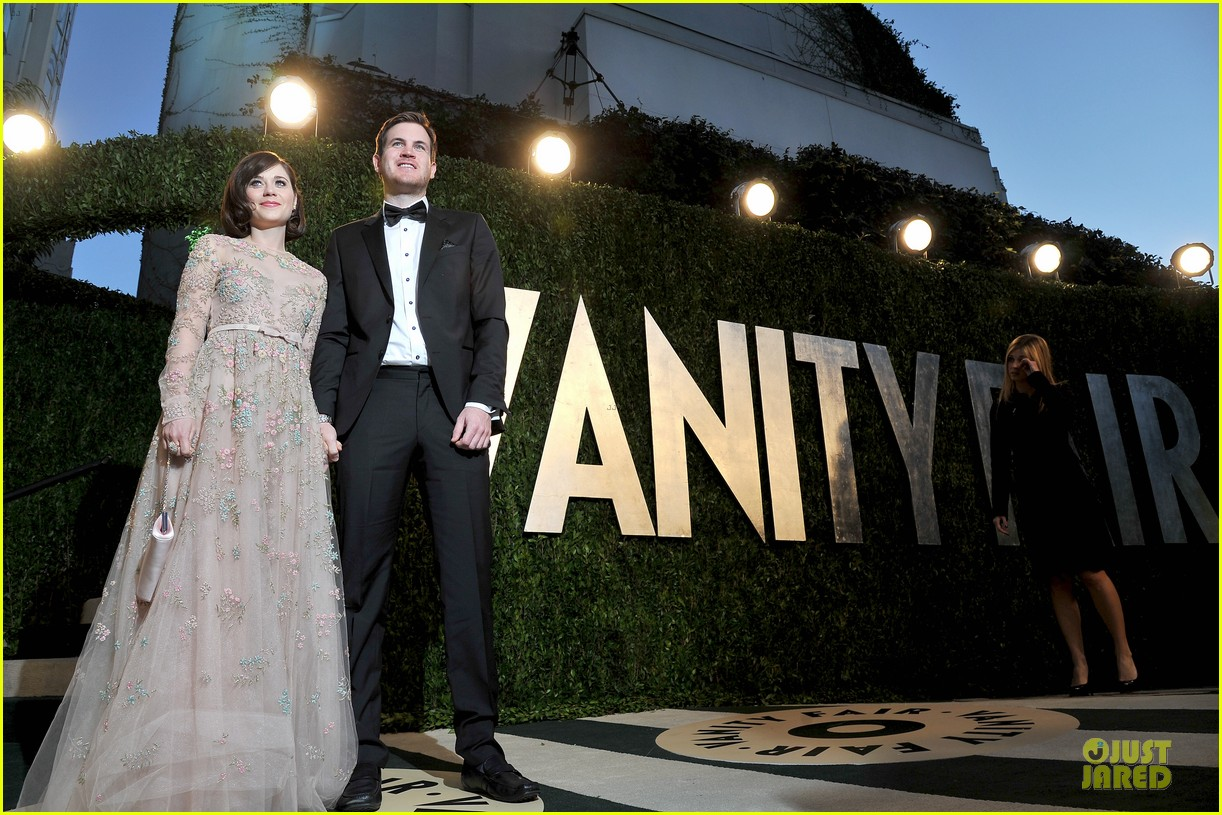 zooey deschanel jamie linden vanity fair oscars party 2013 132819521