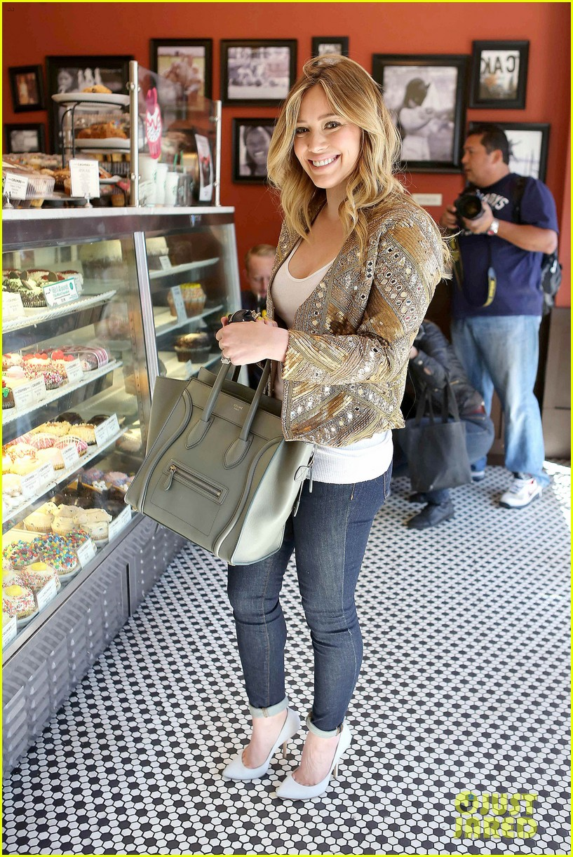 hilary duff lost 30 pounds after giving birth 012812400