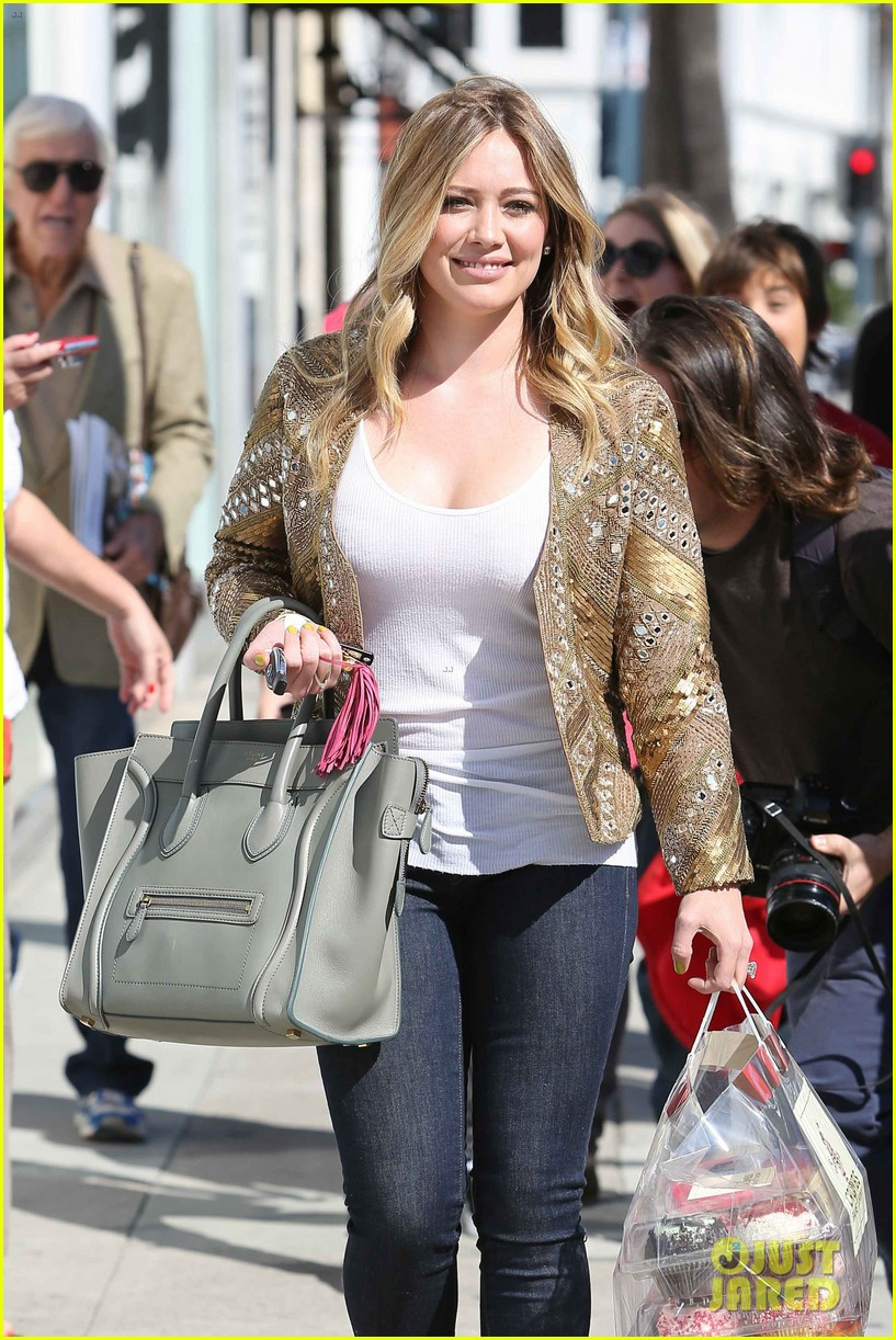 hilary duff lost 30 pounds after giving birth 022812401