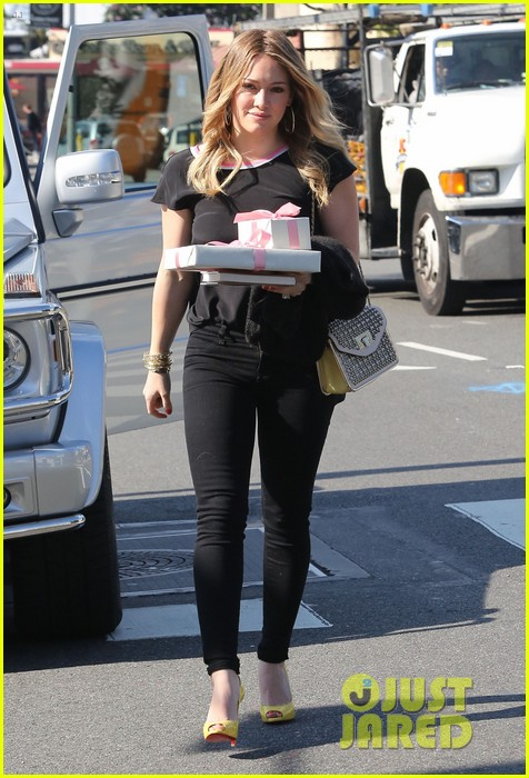 hilary duff baby shower with sister haylie 092808767