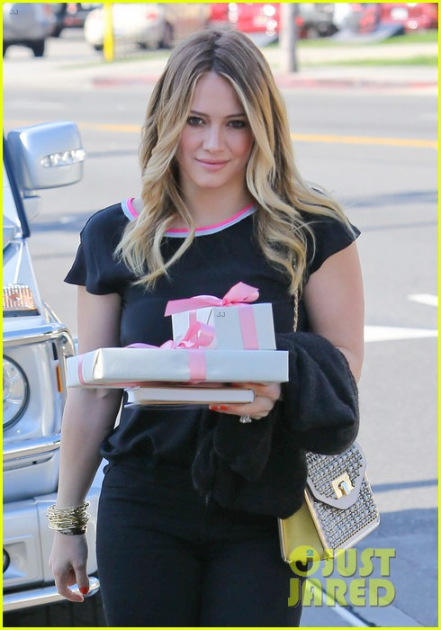 hilary duff baby shower with sister haylie 182808776