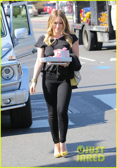hilary duff baby shower with sister haylie 202808778
