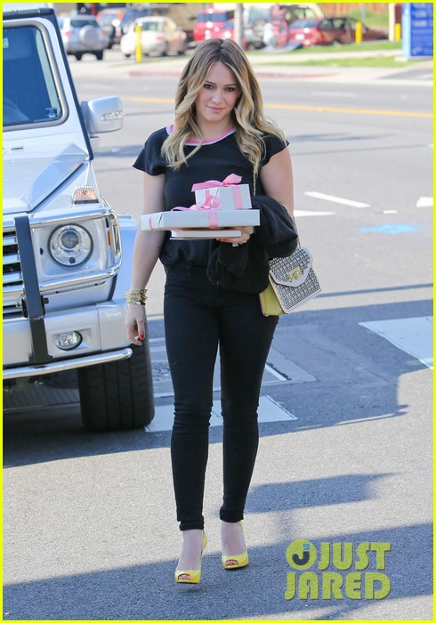 hilary duff baby shower with sister haylie 222808780