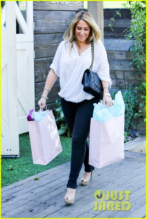 hilary duff baby shower with sister haylie 302808788