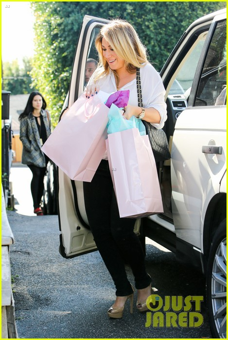 hilary duff baby shower with sister haylie 312808789
