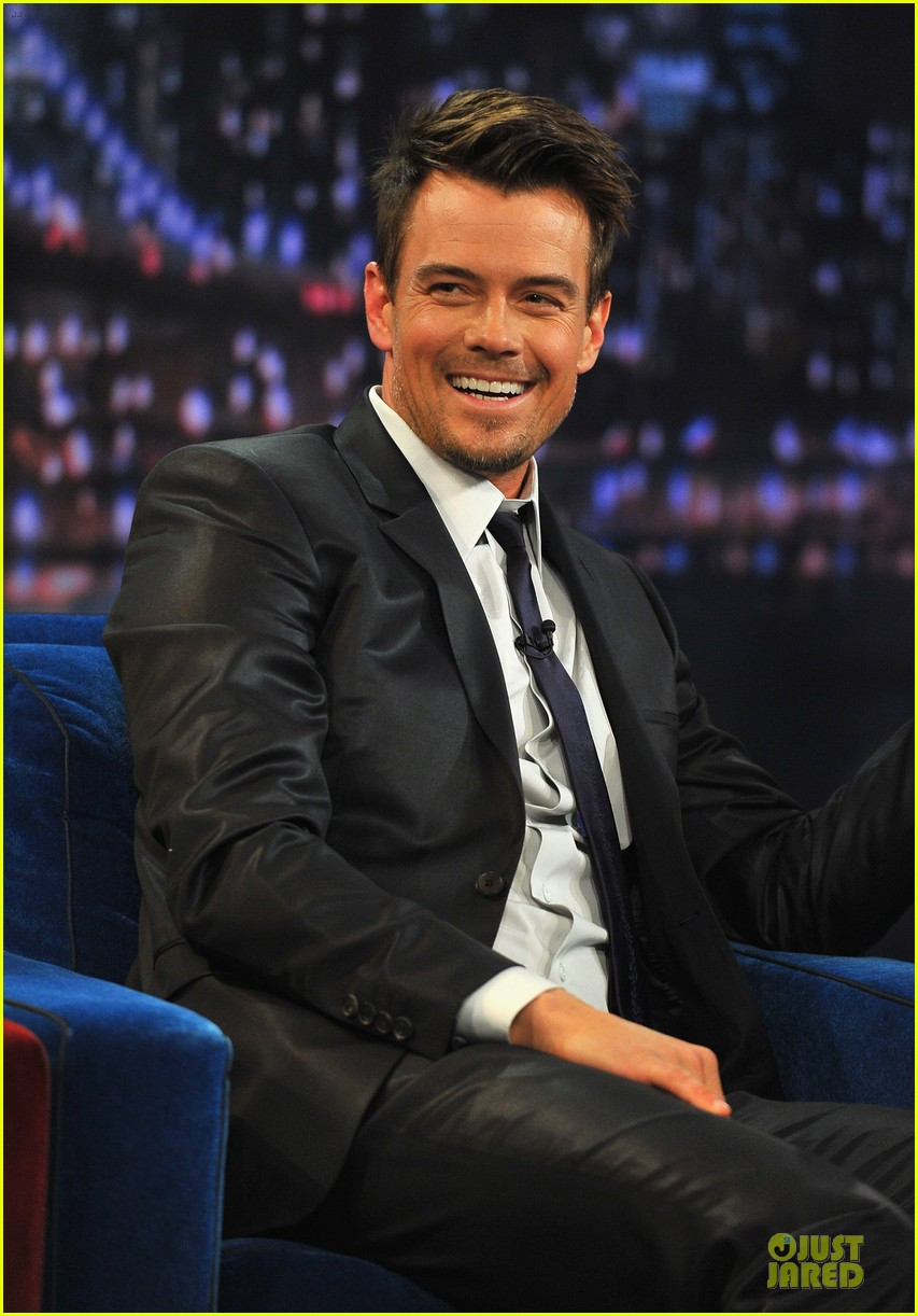 josh duhamel cooler races on fallon 022810966
