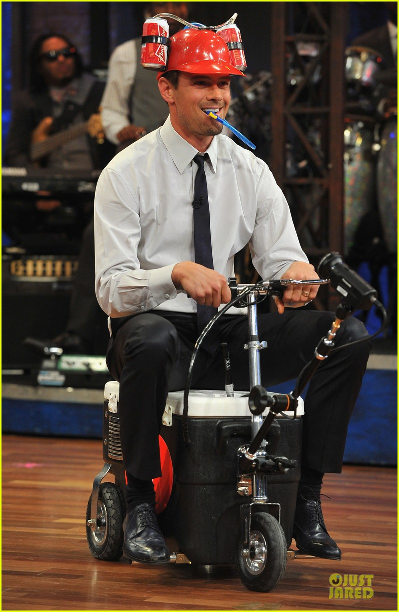 josh duhamel cooler races on fallon 11