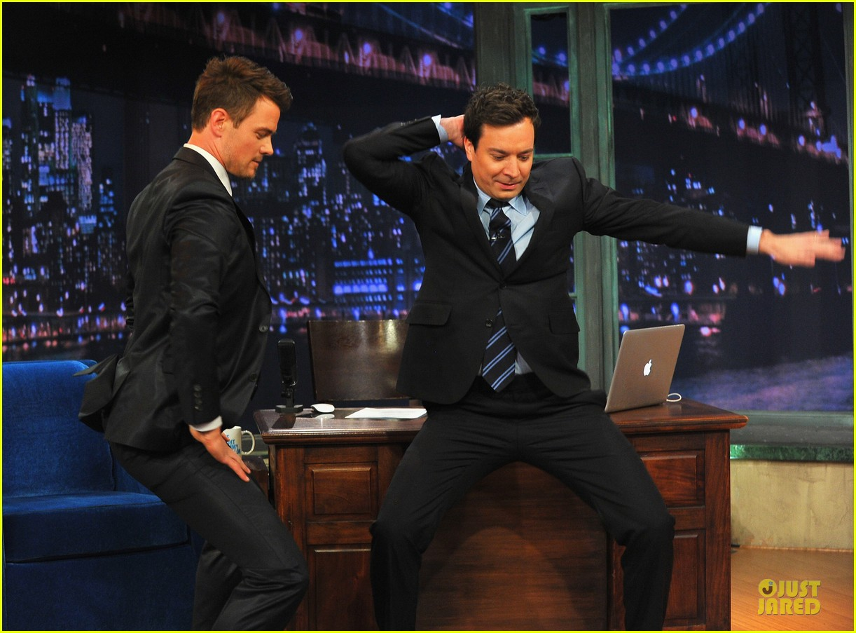josh duhamel cooler races on fallon 122810976