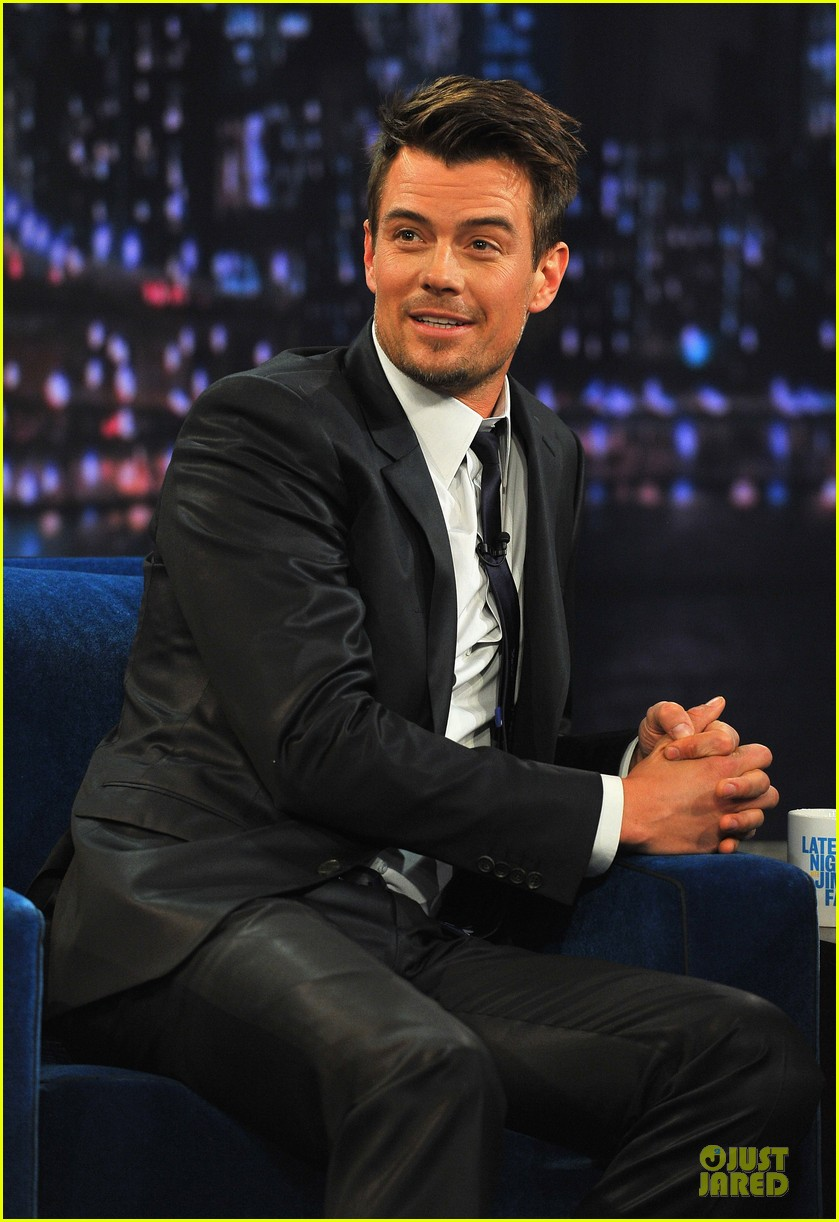 josh duhamel cooler races on fallon 17