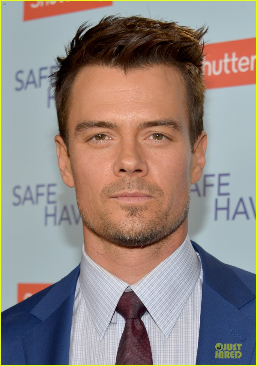 fergie josh duhamel safe haven hollywood premiere 02