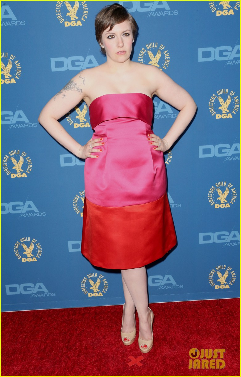 lena dunham wins dga award for girls 012803545