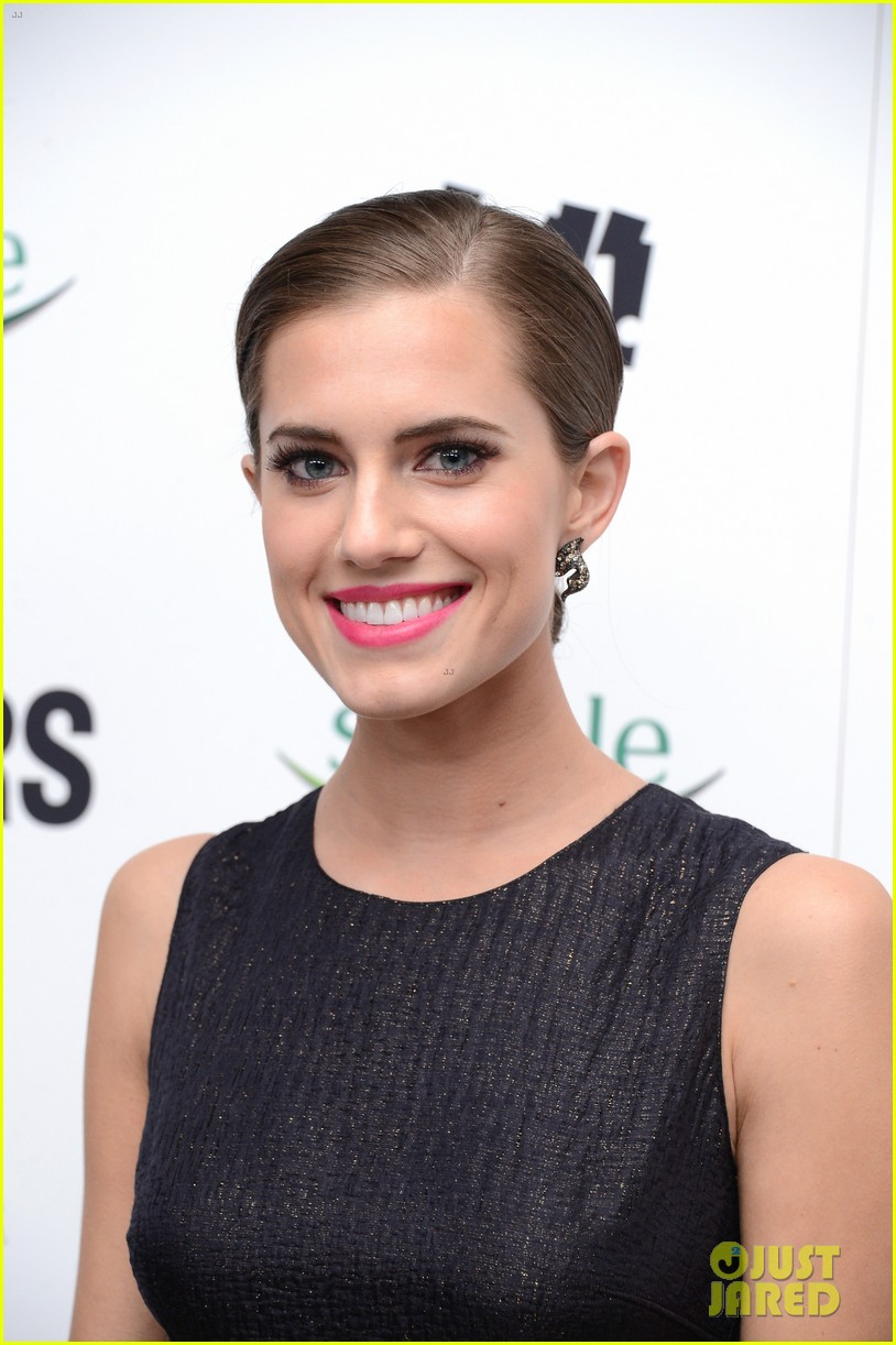 lena dunham allison williams no feud for girls stars 142806111