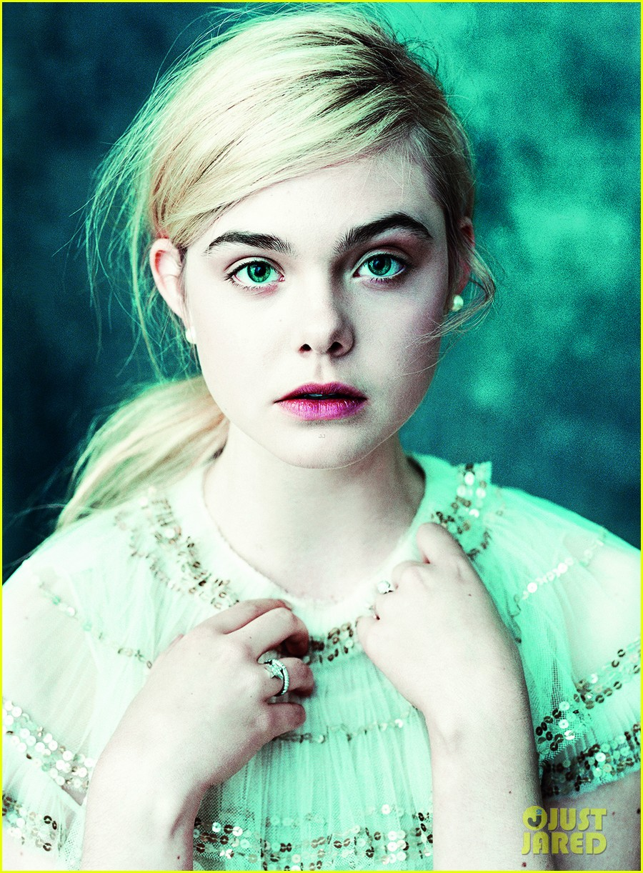 elle fanning vogue march feature 012812181