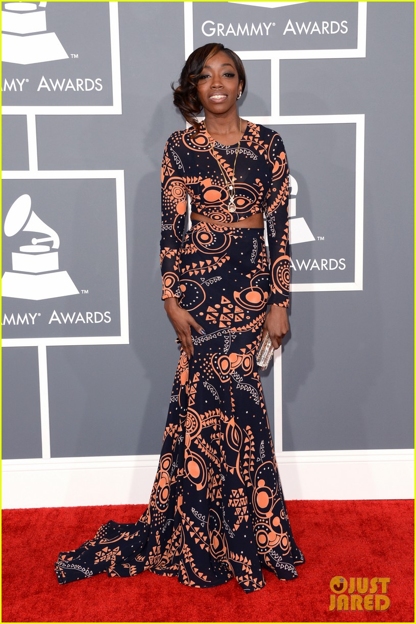 estelle janelle monae grammys 2013 red carpet 03