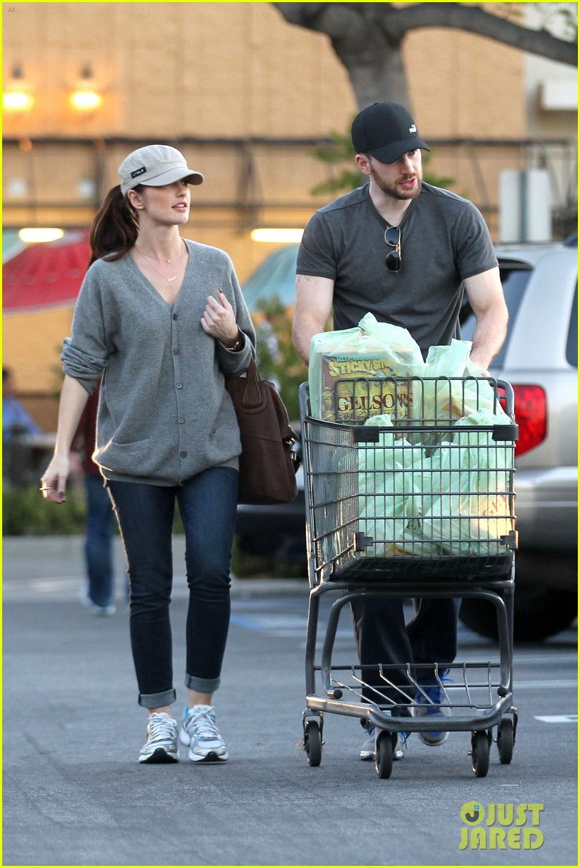 chris evans minka kelly valentines day grocery shopping 042812509