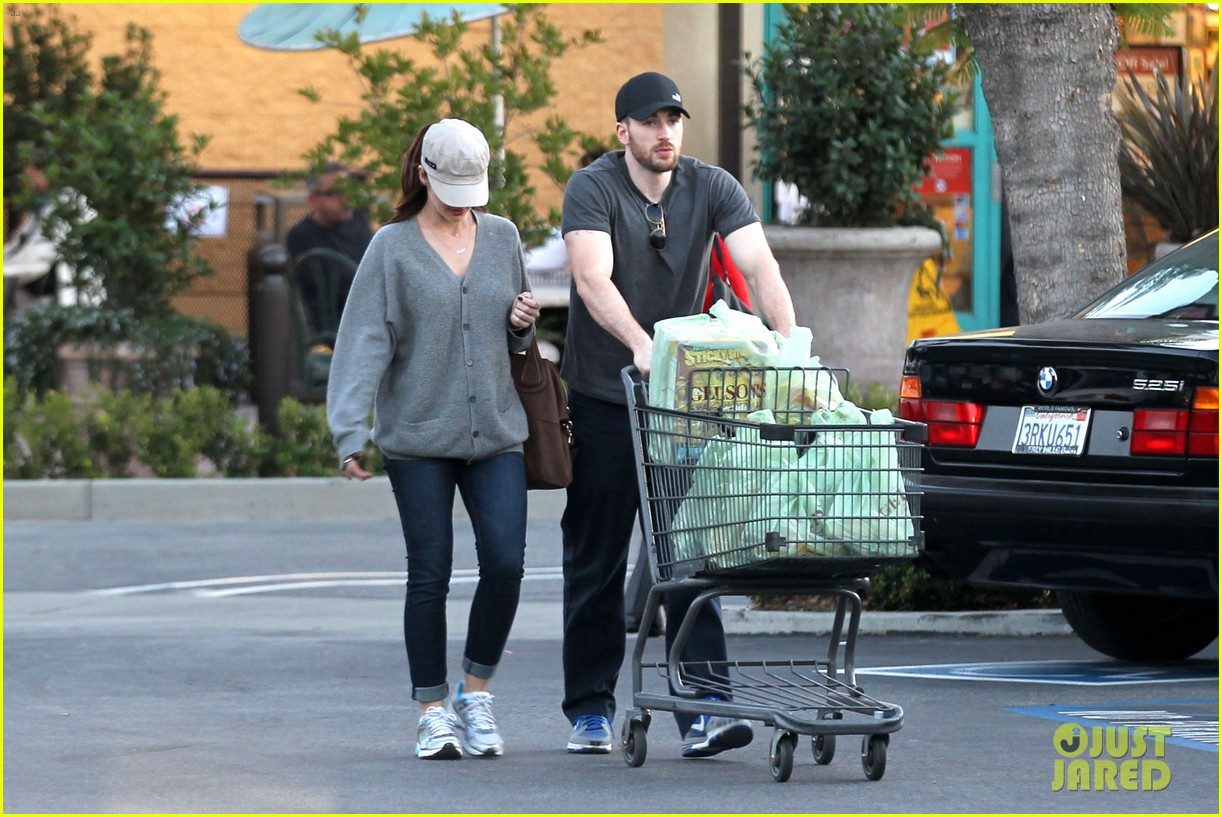 chris evans minka kelly valentines day grocery shopping 152812520