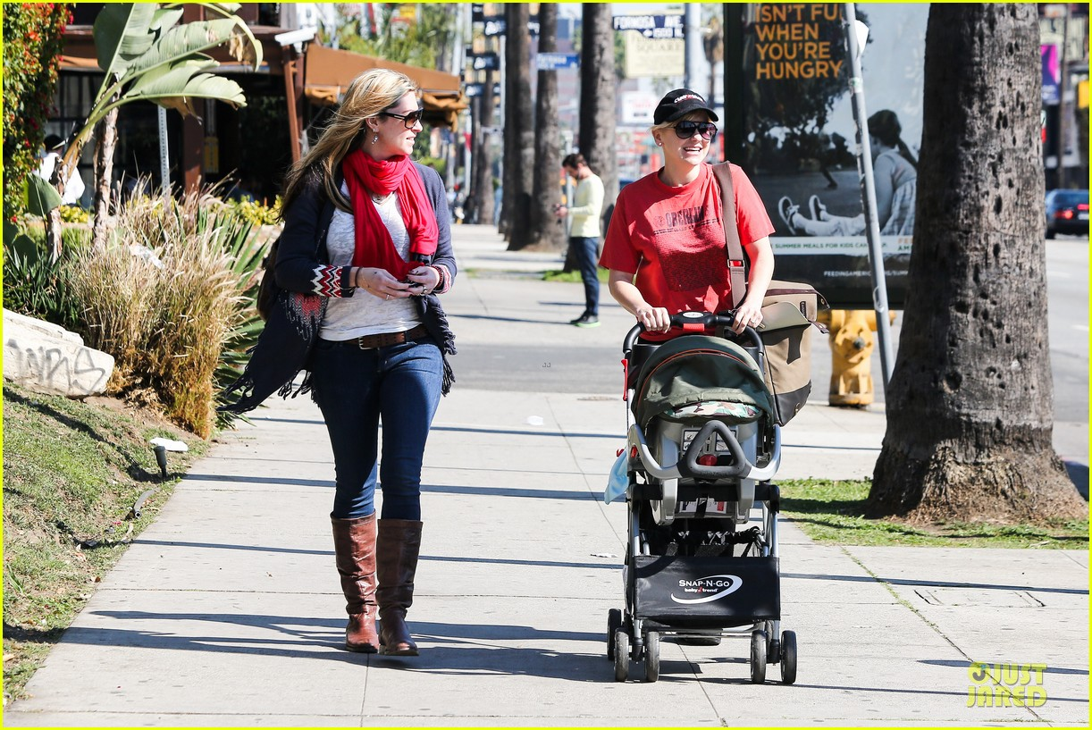 anna faris jack baby gap shopping duo 092813123