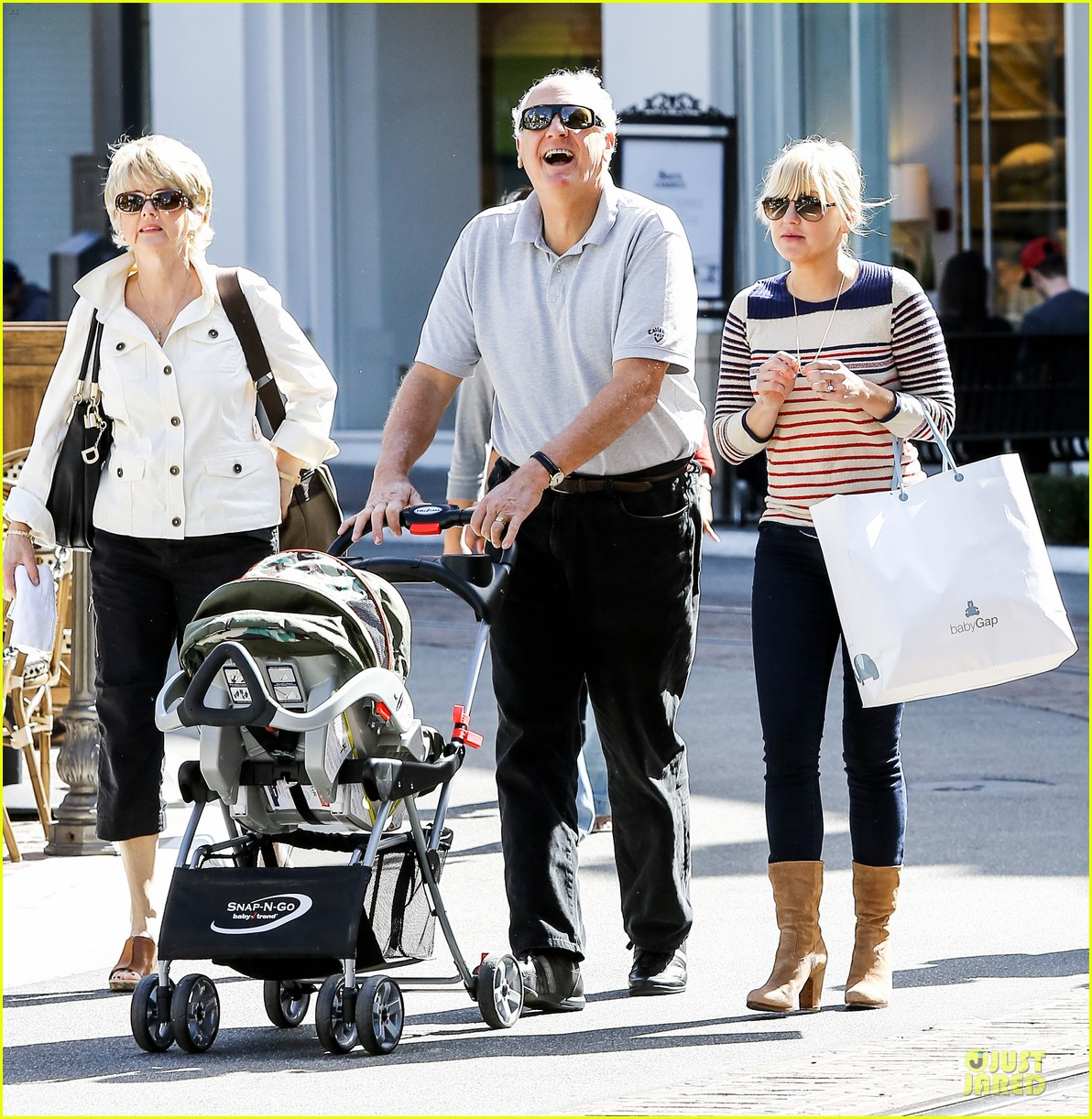 anna faris jack baby gap shopping duo 212813135