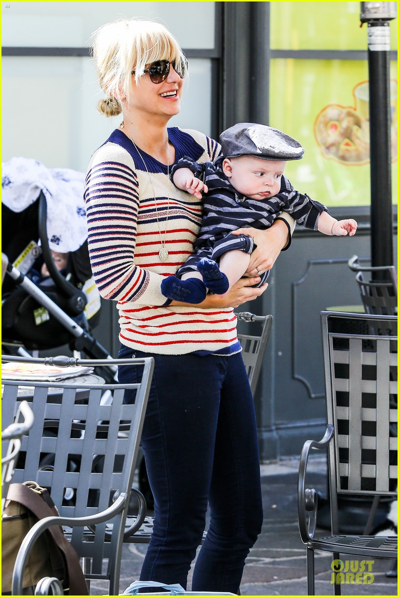 anna faris jack baby gap shopping duo 282813142