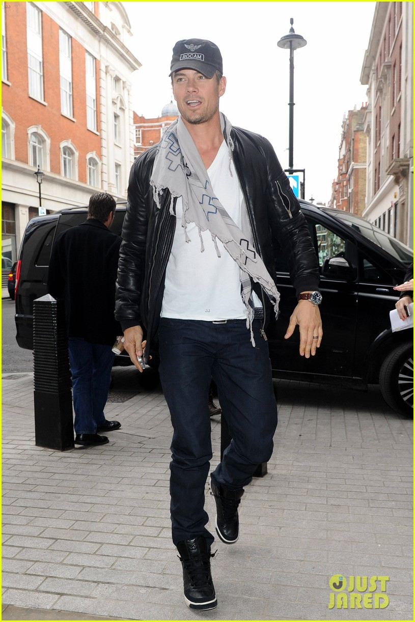 fergie josh duhamel london outing with julianne hough 042816000