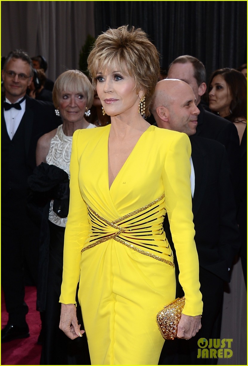 jane fonda oscars red carpet 2013 01