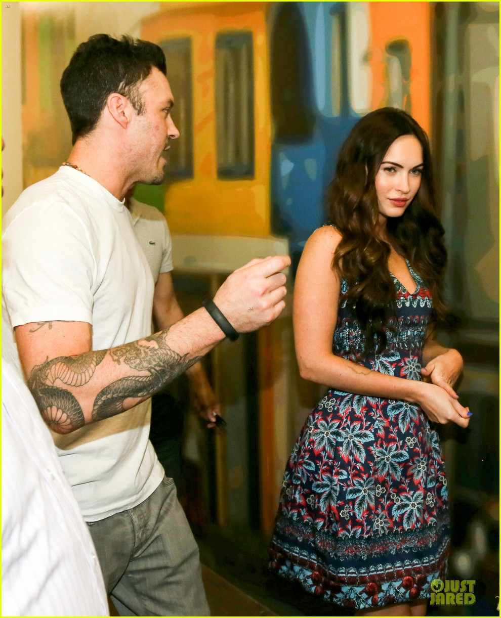 megan fox brian austin green brazilian dance spectators 072808138