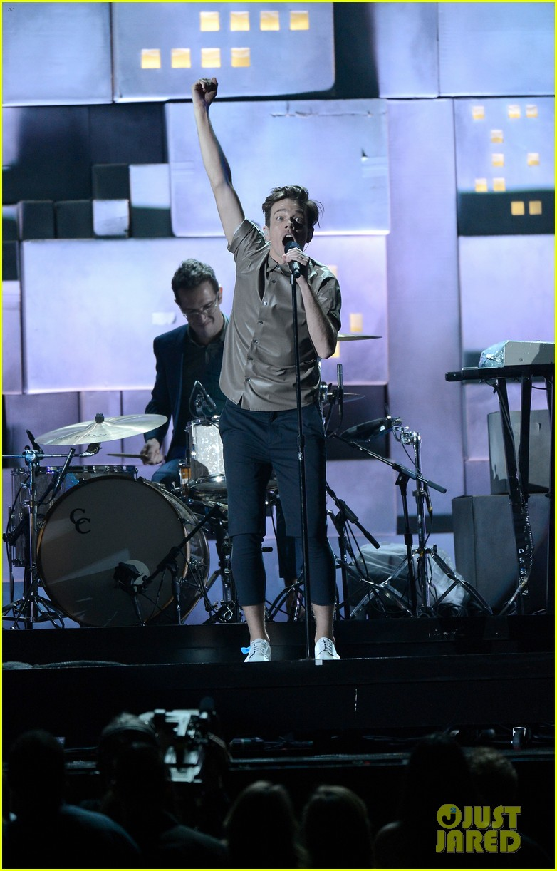 fun grammys 2013 performance of carry on watch now 012809498