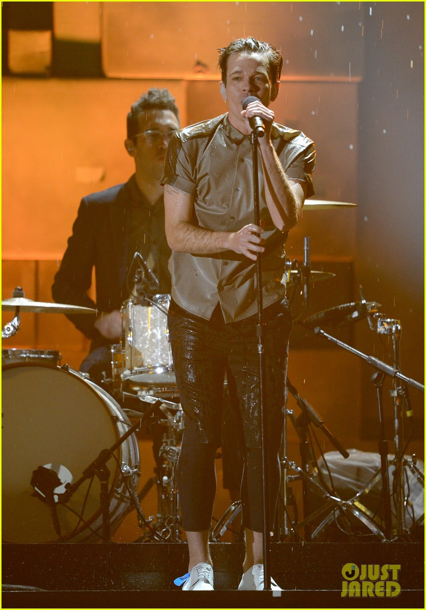 fun grammys 2013 performance of carry on watch now 05