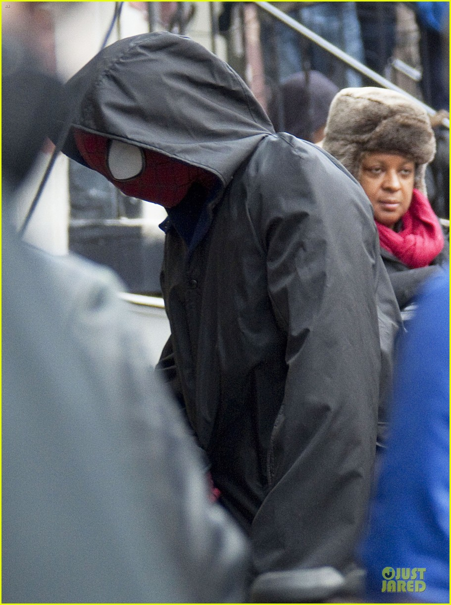 andrew garfield amazing spider man 2 suit first look 052820728